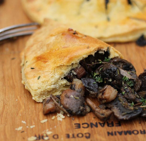 Mushroom pasties: earthy taste and fragrant thyme