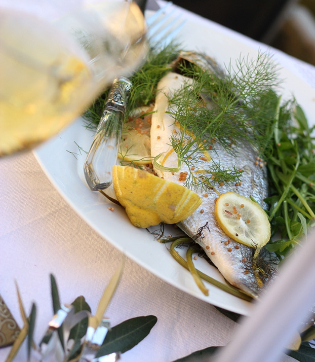 Sea bream steamed on fennel & mustard seeds