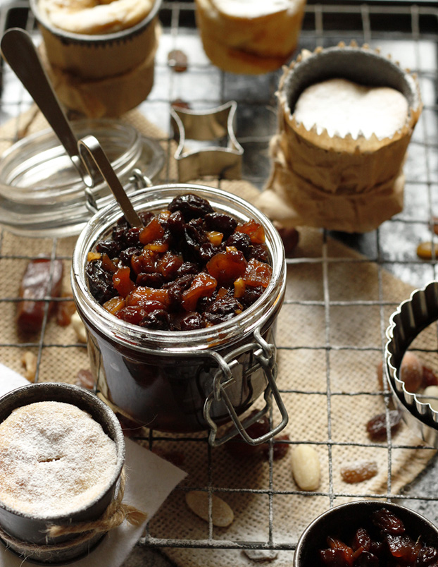 Homemade Christmas Mincemeat with Limoncello