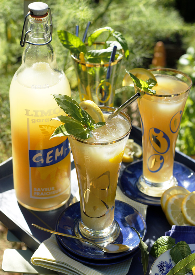 Lemonade recipe with mint & bay