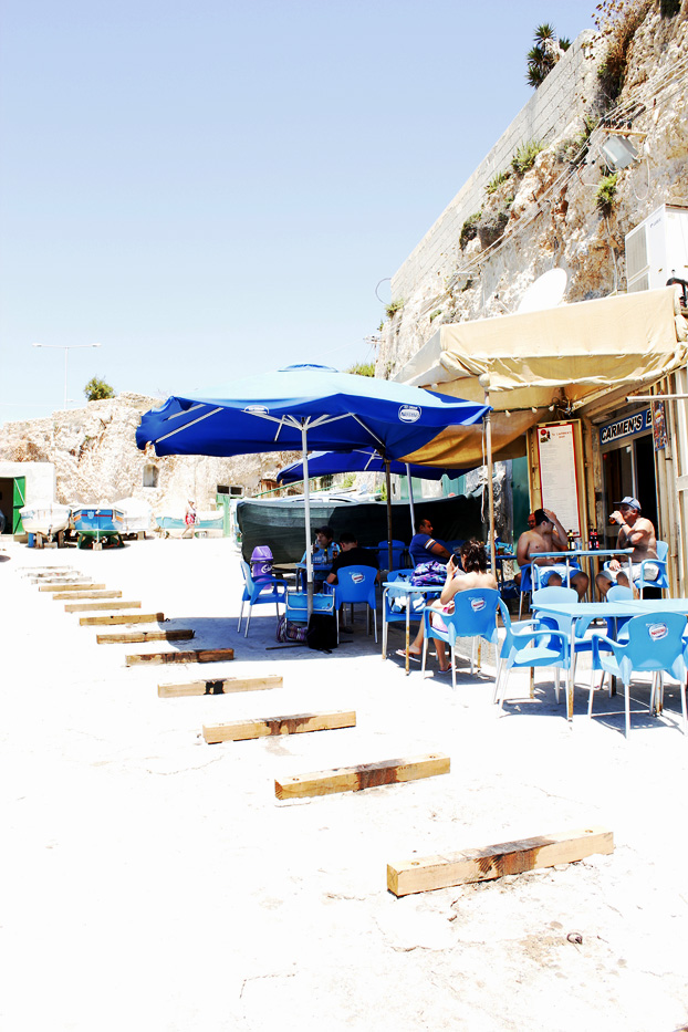 Carmen's Bar or Gilbert's, Ghar Lapsi